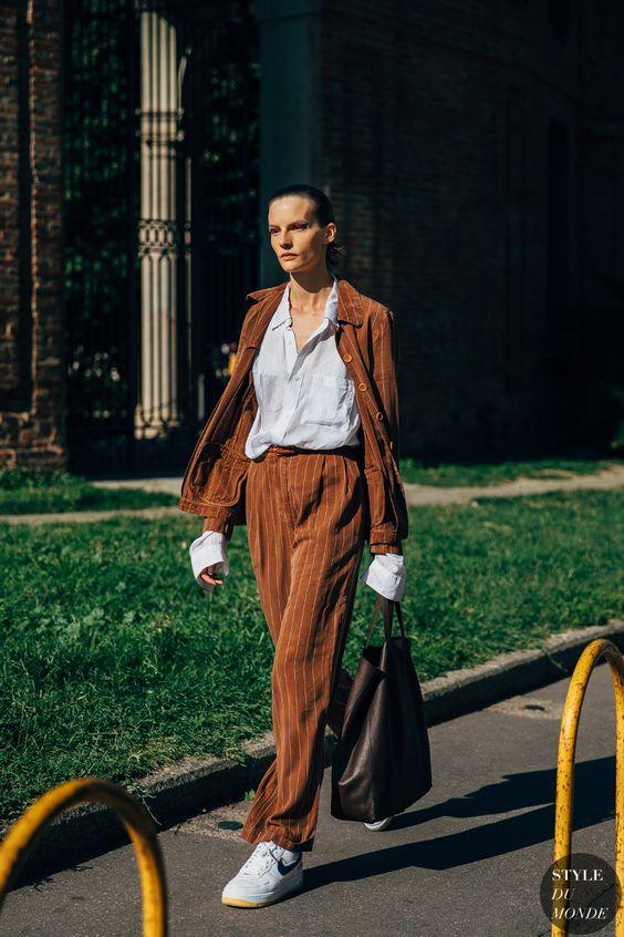 6 kiểu họa tiết xinh mùa mát dành cho quý cô sành mặc - 14