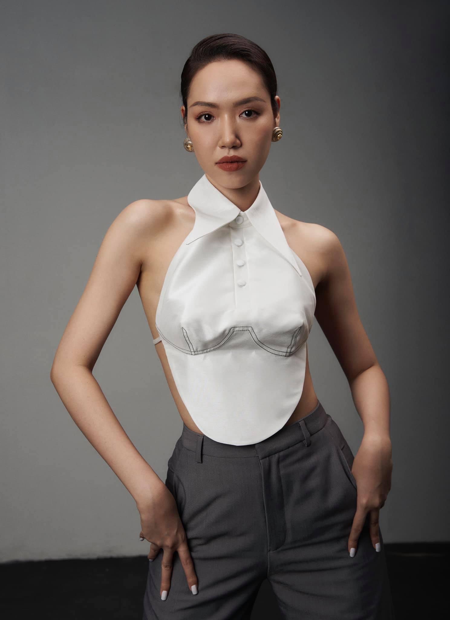 Áo yếm thiên nga lộ nửa người của nhà thiết kế có body gợi cảm nhất làng mốt Việt - 3