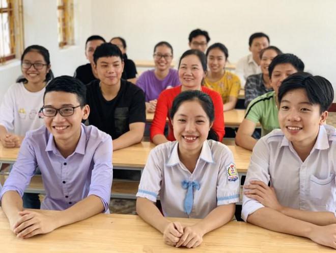 Lớp học 'mưa' điểm 10 thi THPT ở Hà Tĩnh - 3