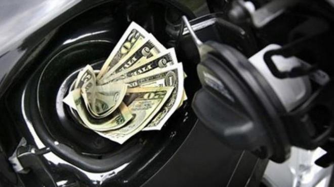Đi ô tô tiết kiệm nhiên liệu đỡ tốn bao nhiêu tiền một năm? - 1