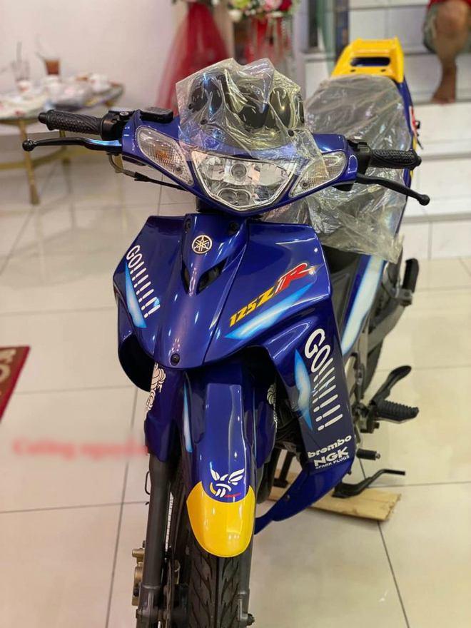 CHOÁNG: Xe côn 2003 Yamaha 125ZR giá 473 triệu đồng về Việt Nam - 2