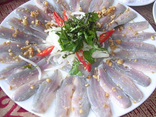 """Bình Định: Thứ gỏi cá được ví như """"sushi"""" phiên bản Việt, tươi rói, giòn tan, nồng nàn vị biển - 6"""