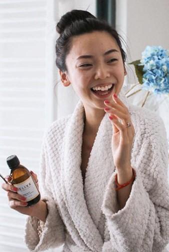 Sở hữu hàm răng trắng cho nụ cười xinh bằng cách dùng tinh dầu thiên nhiên - 1