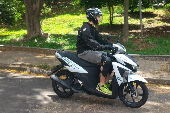 2021 Yamaha NEO 125: Xe ga thực sự khiến Honda Air Blade sợ? - 8
