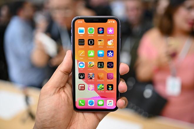 """""""Buông"""" ngay iPhone XR giá rẻ để sở hữu chiếc iPhone này - 1"""