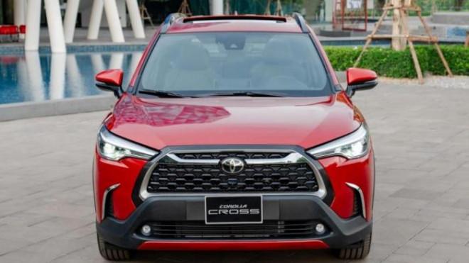 Những tính năng an toàn chủ động trên các mẫu ô tô tại Việt Nam - 1