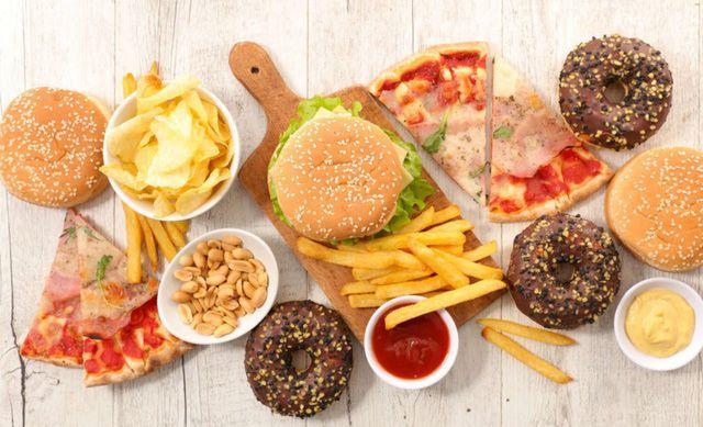 Những thực phẩm khiến bạn lão hóa nhanh chóng - 2