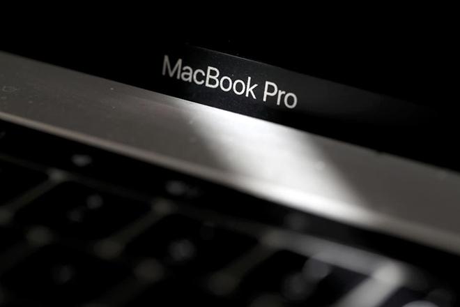 Bí mật iPhone 12 đang ẩn bên trong MacBook Pro cấp tiến - 1
