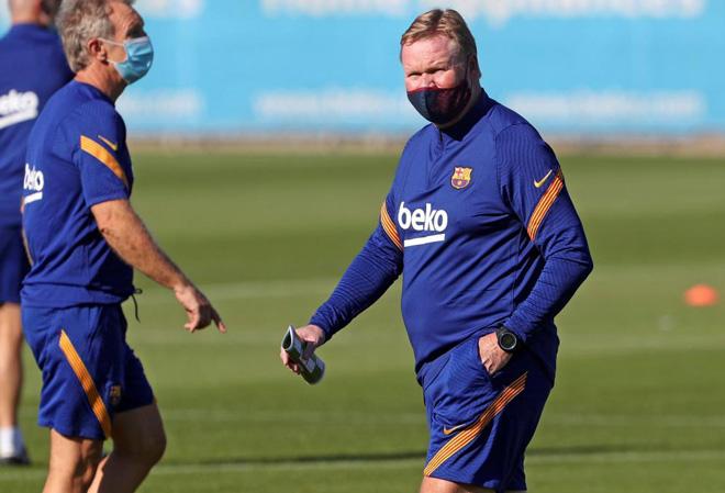 """Lộ đội hình mới của Barca - Koeman: Công thần bị """"ruồng bỏ"""", Messi đá ở đâu? - 1"""
