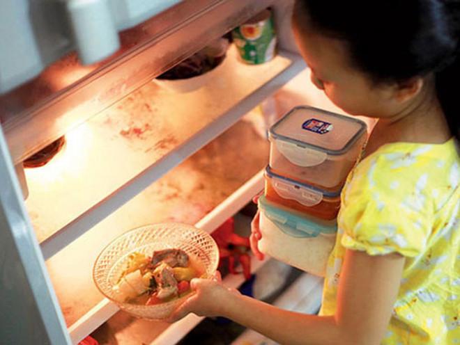 Từ vụ suýt mù mắt vì ăn rau để qua đêm, chuyên gia cảnh báo những món rau ăn thừa tuyệt đối không tận dụng lại - 2