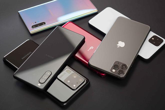 """iPhone bỗng dưng """"hút khách"""" trở lại trước thềm ra mắt iPhone 12"""