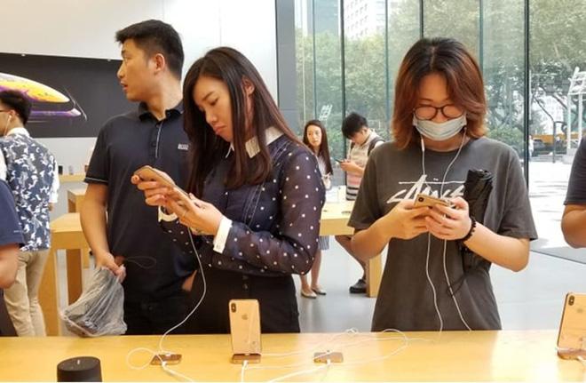 Người Mỹ đang khôn hơn Trung Quốc trong việc mua sắm iPhone? - 1