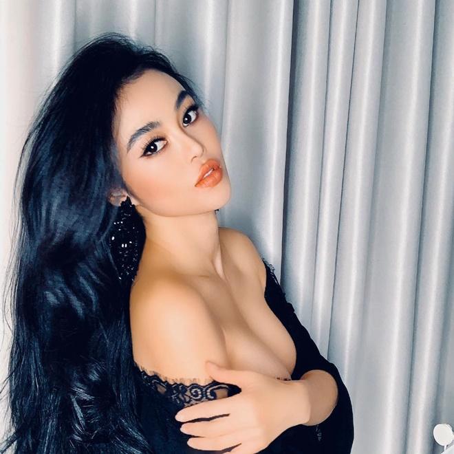 """Chỉ 1 bức ảnh, """"hoa hậu ăn chơi nhất Sài thành"""" lại gây xôn xao mạng xã hội - 1"""