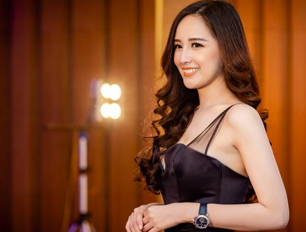Hoa hậu Việt có vòng một gần 100cm nhiều lần phát ngôn gây chú ý - 4
