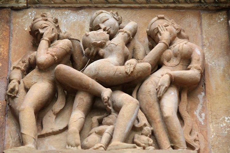 """Ngôi đền cổ đại cực hút khách nhưng cũng khiến không ít người """"đỏ mặt"""" - 4"""