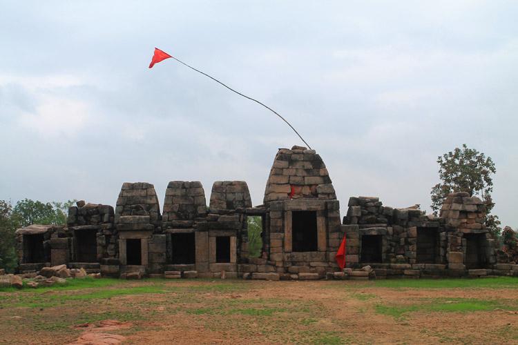 """Ngôi đền cổ đại cực hút khách nhưng cũng khiến không ít người """"đỏ mặt"""" - 10"""