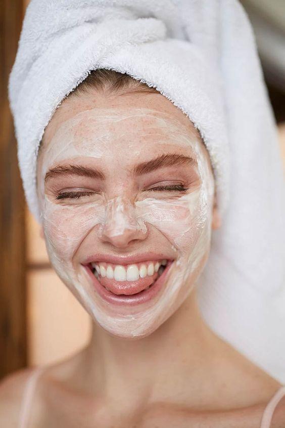 Những lưu ý rửa mặt để làn da sạch mụn, sáng khỏe tuyệt vời - 2