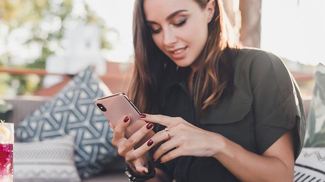 iPhone SE 2020 có đáng mua hơn iPhone XS không? - 4