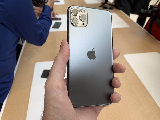 """Cách chăm chút iPhone tốt nhất để không mất giá khi bán, và """"tậu"""" iPhone 12 - 1"""