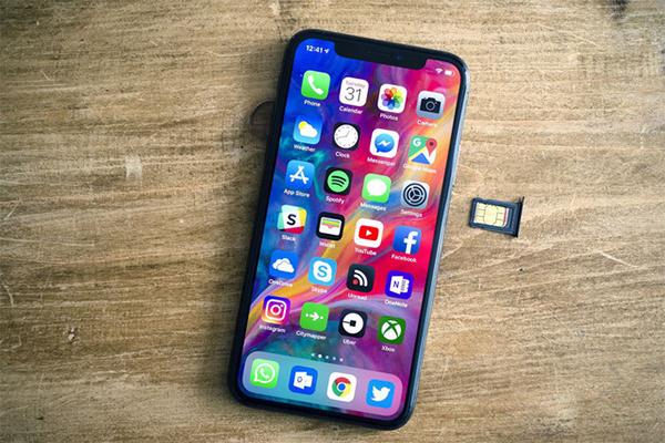 Đây là hai mẫu iPhone tương đồng thiết kế, giá mềm và rất bền - 6