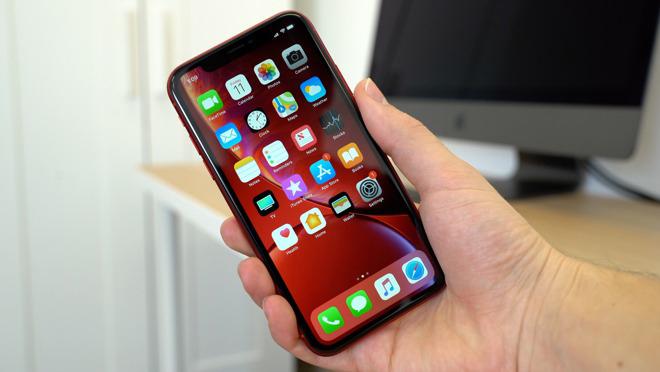 """Chiếc iPhone """"dưới một người, trên vạn người"""" đang giảm giá mạnh - 2"""