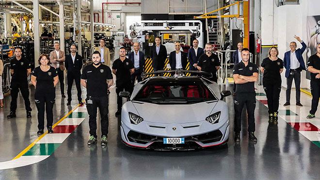 Lamborghini xuất xưởng chiếc Aventador thứ 10.000 - 1