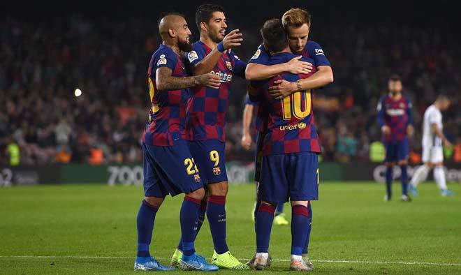 Barca khốn khổ trả lương Messi: Hy sinh 10 công thần, Suarez không ngoại lệ - 2