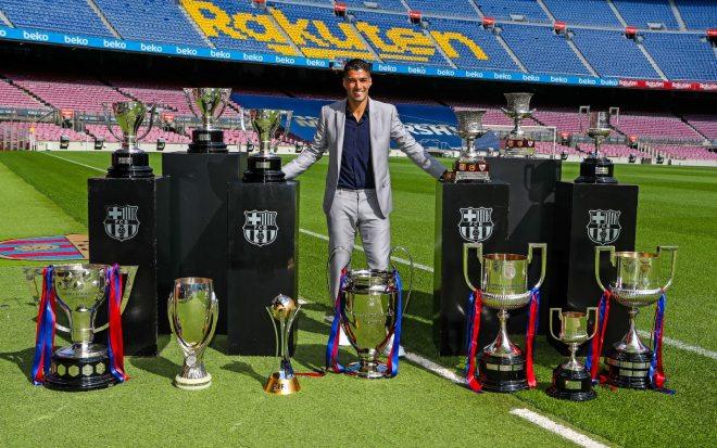 NÓNG: Suarez họp báo kể lại 1 tháng điên rồ ở Barca, hé lộ phản ứng của Messi - 3