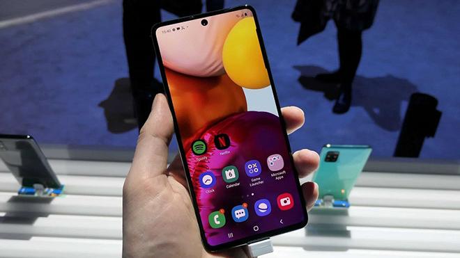 Galaxy A72 sẽ là smartphone đầu tiên của Samsung có 5 camera - 1