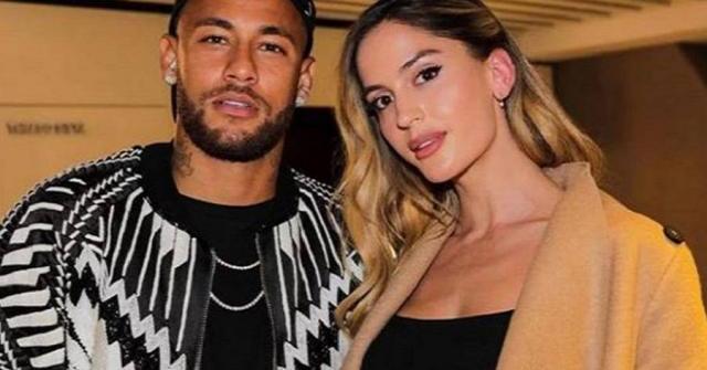 """Người mẫu đẹp như hoa khoe ảnh nóng xác nhận """"trói tim"""" Neymar"""