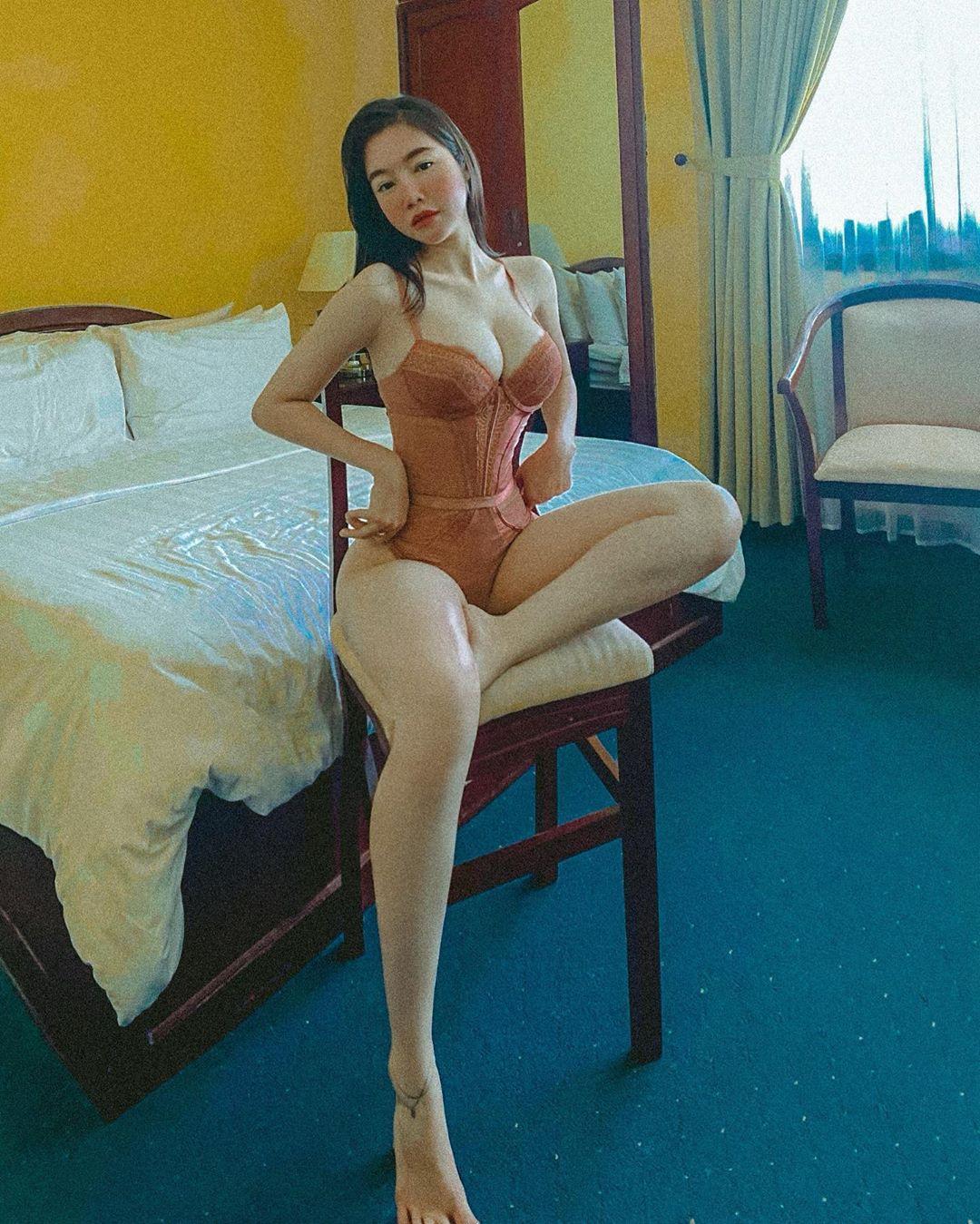Elly Trần 2 con dáng vẫn đẹp như thiếu nữ - 2