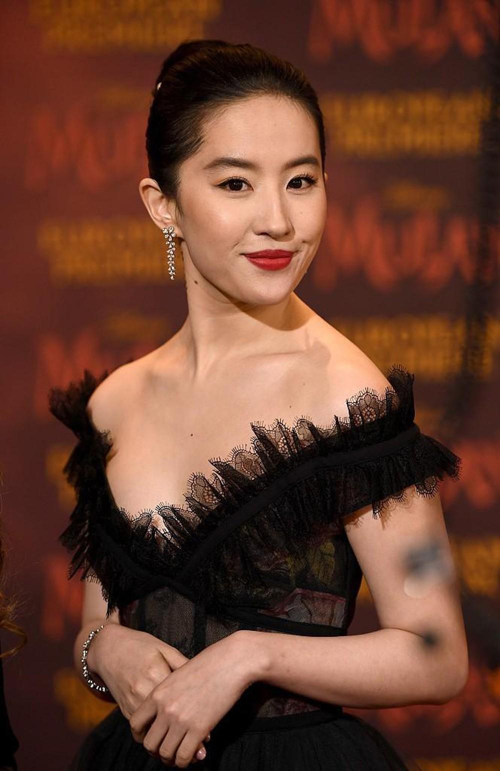 """Lưu Diệc Phi vẫn là """"đệ nhất nữ thần Kim Ưng"""" vạn người si mê - 4"""