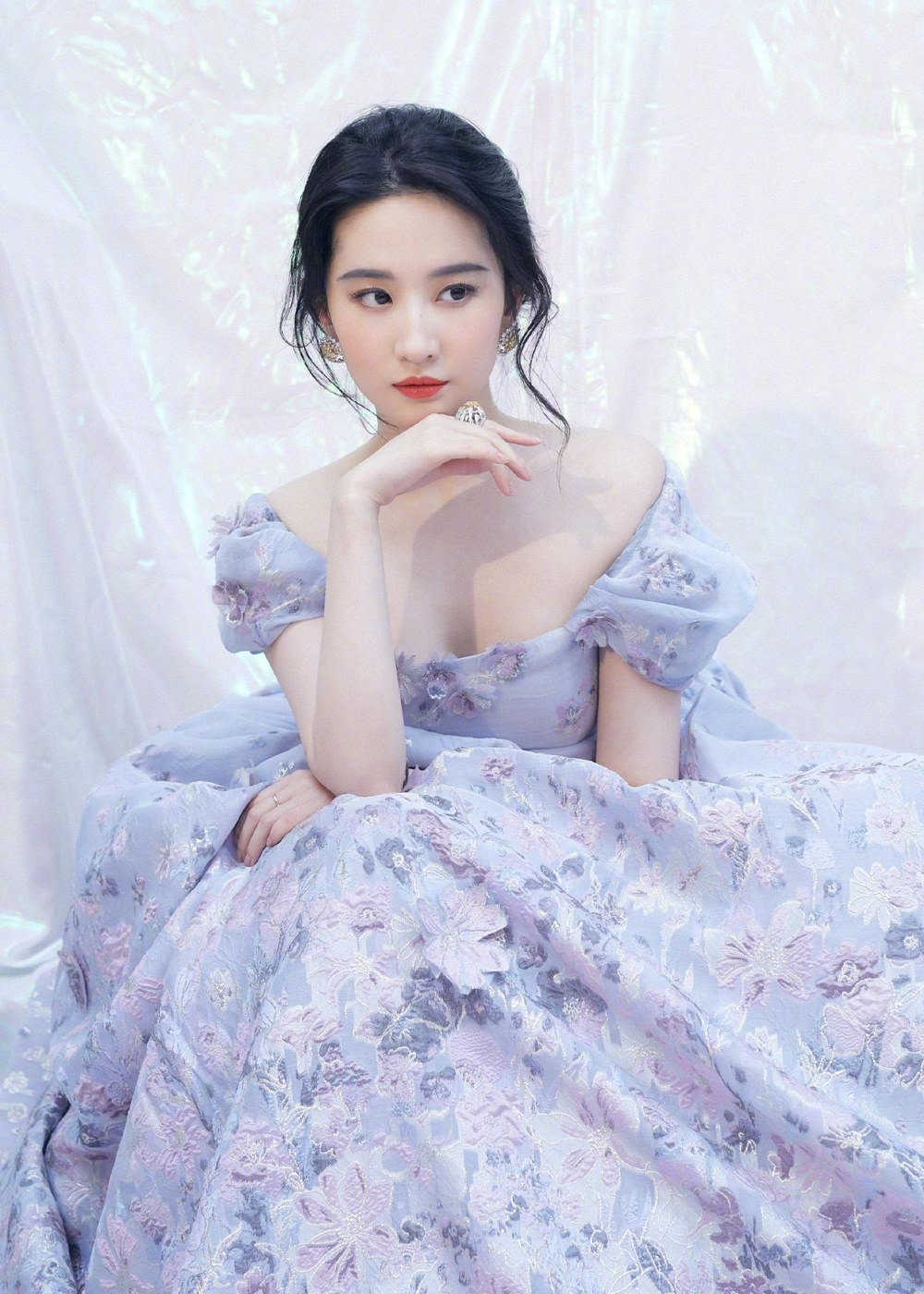 """Lưu Diệc Phi vẫn là """"đệ nhất nữ thần Kim Ưng"""" vạn người si mê - 8"""