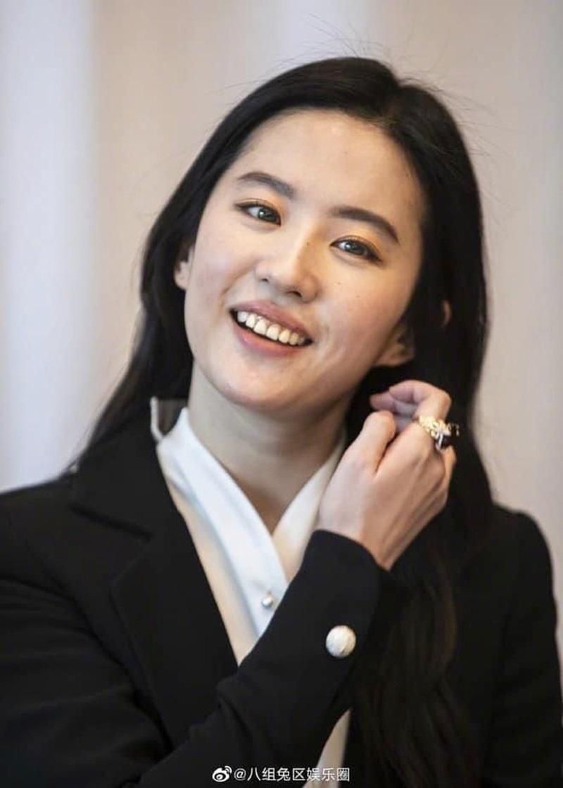 """Lưu Diệc Phi vẫn là """"đệ nhất nữ thần Kim Ưng"""" vạn người si mê - 6"""