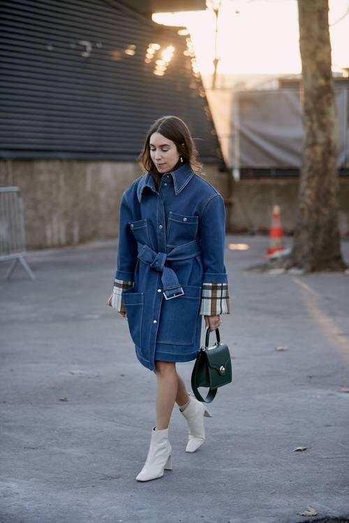 6 chiêu kết hợp áo khoác và váy chuẩn trend cho ngày Thu - 7