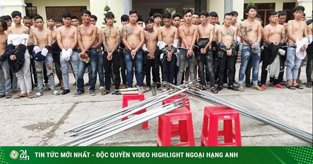 Bắt giữ 59 thanh niên mang tuýp sắt gắn đinh dàn trận ở Biên Hòa