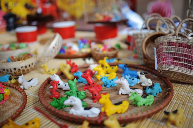 Tàu thuỷ chạy dầu hỏa và những đồ chơi Tết Trung thu gợi nhớ tuổi thơ - 11
