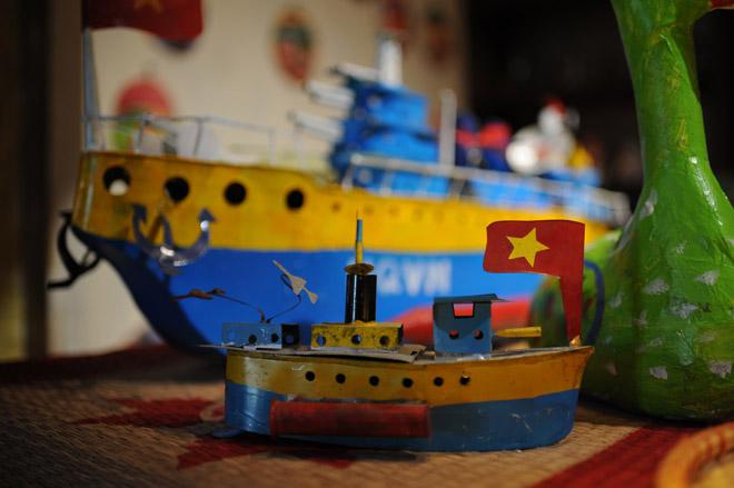 Tàu thuỷ chạy dầu hỏa và những đồ chơi Tết Trung thu gợi nhớ tuổi thơ - 13