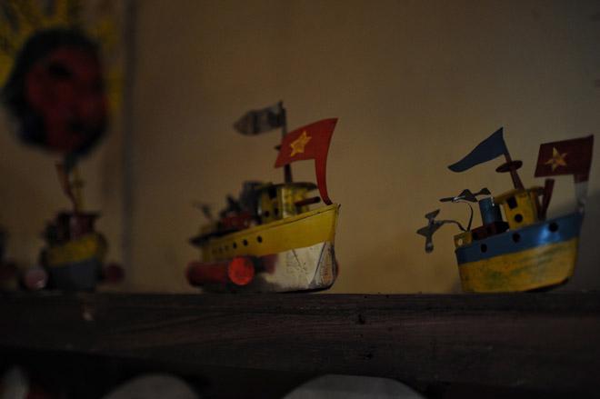 Tàu thuỷ chạy dầu hỏa và những đồ chơi Tết Trung thu gợi nhớ tuổi thơ - 14