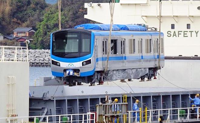 Đoàn tàu đầu tiên của tuyến metro số 1 đang trên đường về TP.HCM - 1