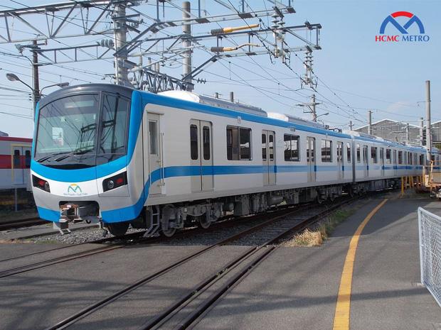 Đoàn tàu đầu tiên của tuyến metro số 1 đang trên đường về TP.HCM - 3