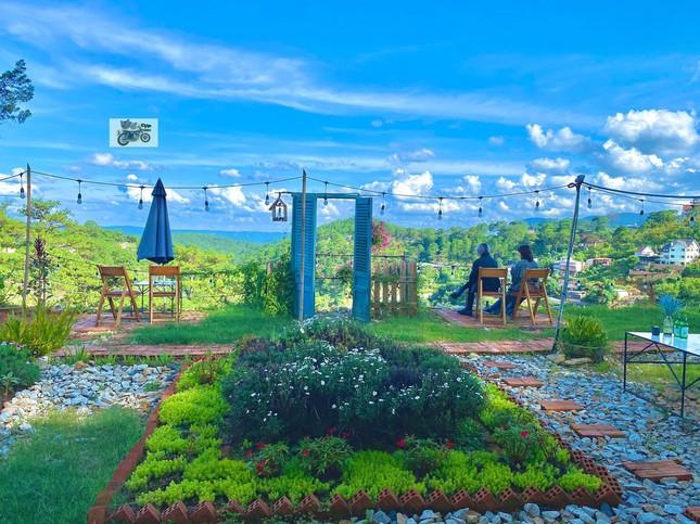 """Đà Lạt quá chill: """"Đổi cảnh"""" ở hai tiệm cà phê có view thiên nhiên đẹp đến nao lòng - 7"""