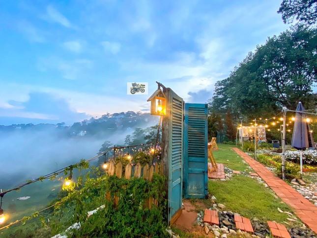 """Đà Lạt quá chill: """"Đổi cảnh"""" ở hai tiệm cà phê có view thiên nhiên đẹp đến nao lòng - 5"""