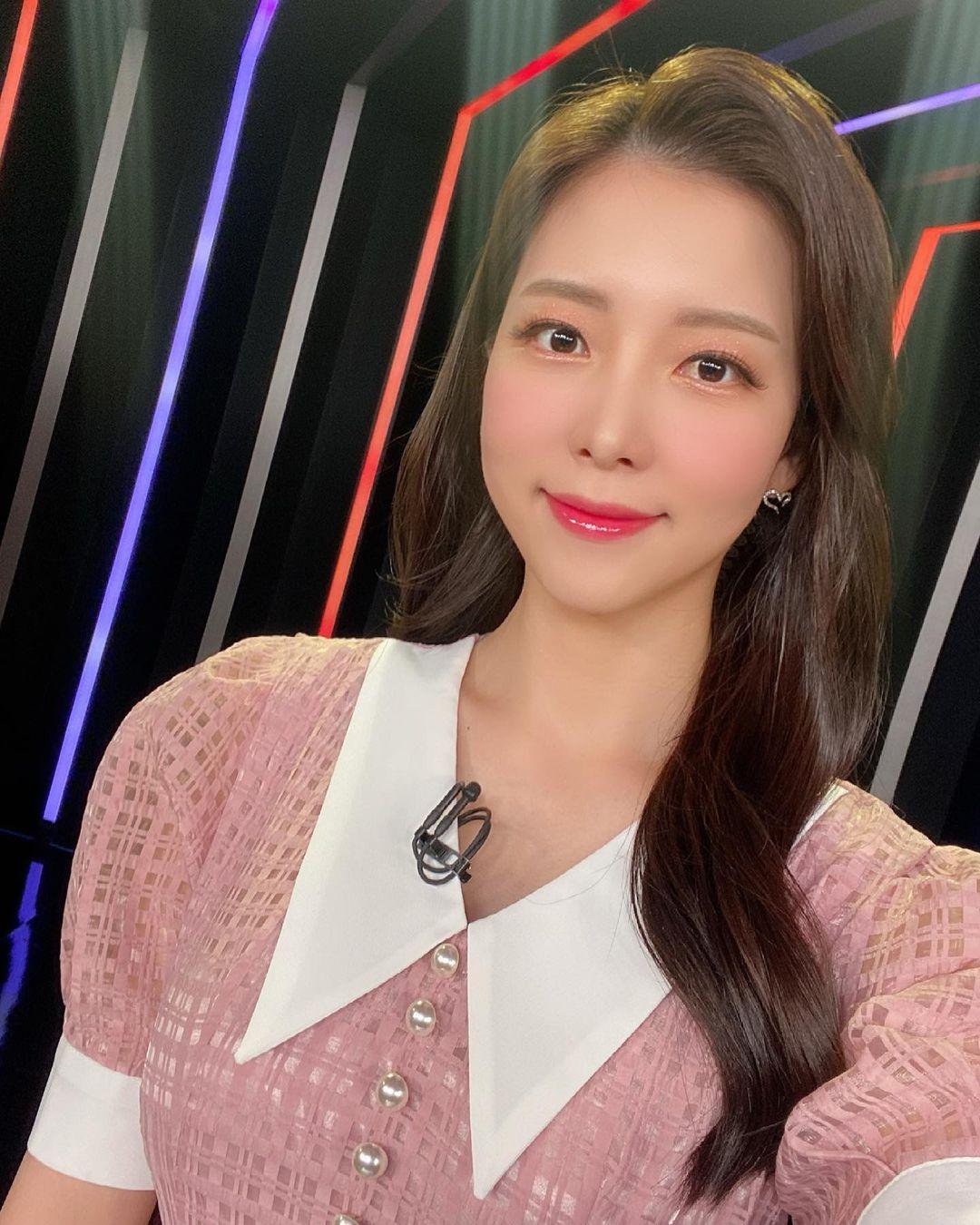 Hoa hậu Gangwon 2016 diện set đồ crop top, quần thun dạy yoga - 6