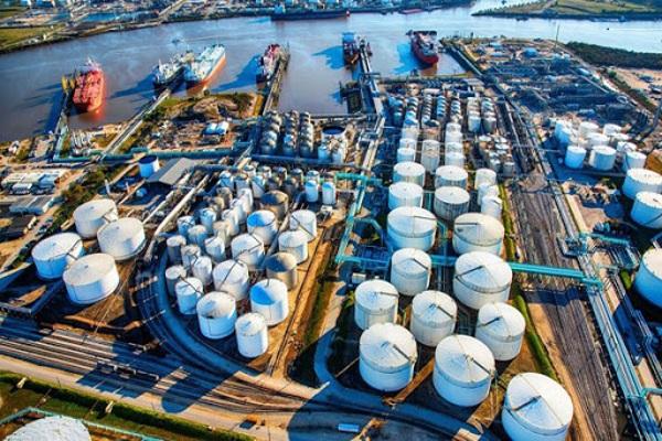 Giá dầu hôm nay 6/7: Tăng mạnh, lập đỉnh mới - 1