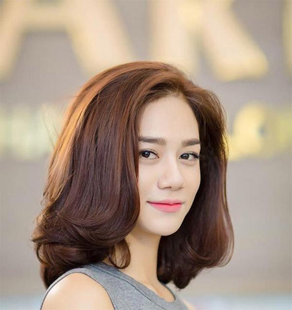 25 Kiểu tóc ngắn ngang vai đẹp nhất dẫn đầu xu hướng năm 2021 - 24