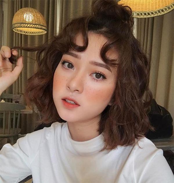 25 Kiểu tóc ngắn ngang vai đẹp nhất dẫn đầu xu hướng năm 2021 - 8