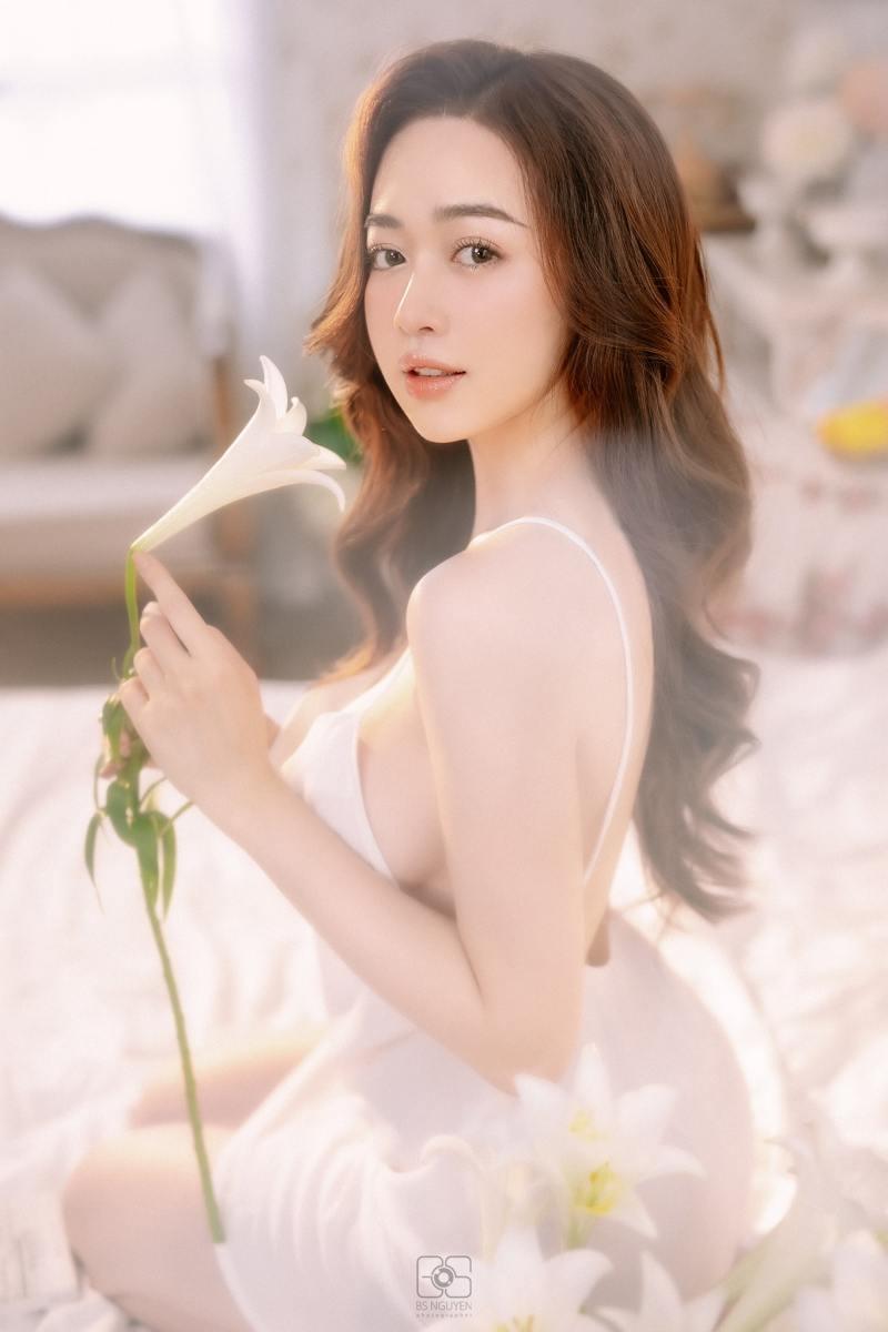 """Người mẫu Quảng Ninh mặc trang phục ủng hộ Euro """"gây sốt"""" - 6"""