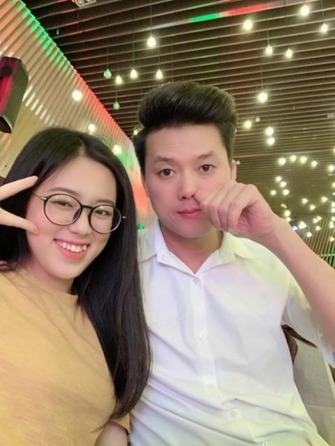 """Nhan sắc """"đánh bật camera thường"""" của vợ sao nam Việt đi thi tốt nghiệp cấp 3 - 6"""