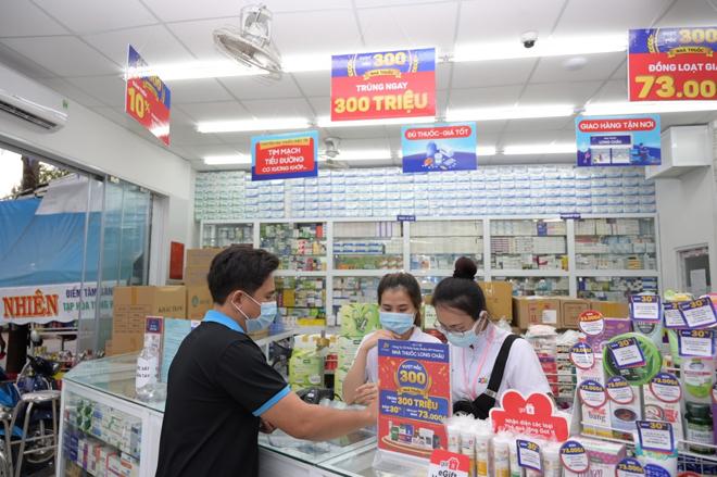 Hệ thống nhà thuốc FPT Long Châu bứt phá mở thêm 100 nhà thuốc trong vòng 6 tháng - 2